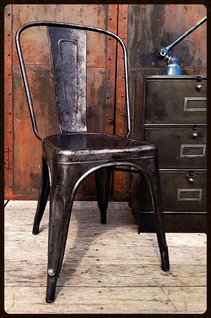 tolix-chair-A-la-boutique-vintage-industrial-furniture