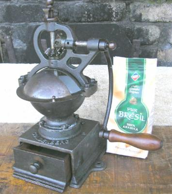 vintage-decoration-coffee-grinder-12