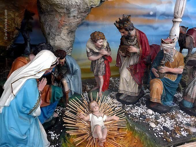 vintage-christmas-nativity-scene