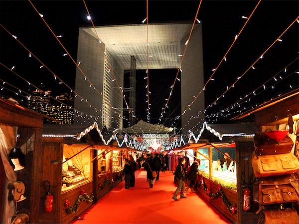 vintage-christmas-markets-La-Défense-Paris-france