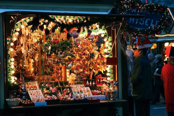 vintage-christmas-markets-colmar-alsace-france