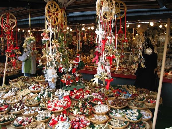 vintage-christmas-markets-salzburg-austria