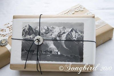vintage-christmas-wrapping-paper-mountain